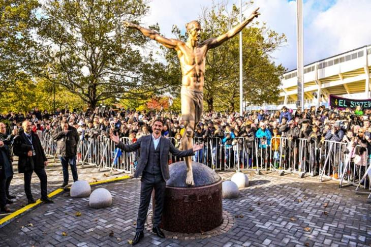 Ibrahimovic unveils his statue in Malmö