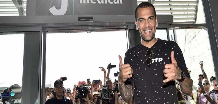 ألفيش: إدارة برشلونة كانت مخادعة وجاحدة معي - ياللاكورة