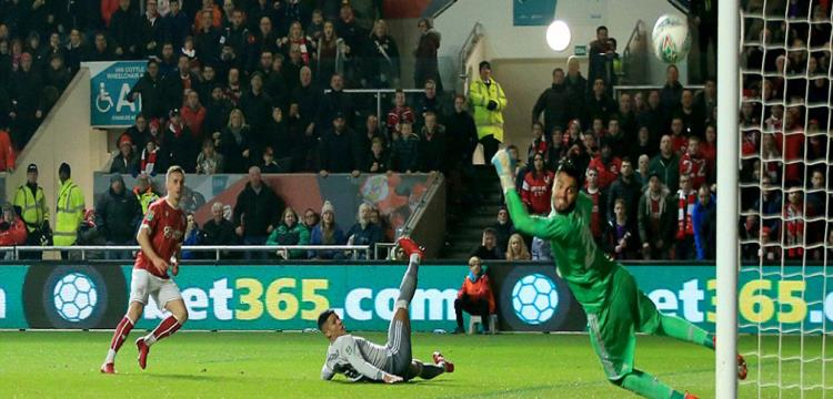 سرخيو روميرو يهدد بالرحيل عن مانشستر يونايتد - ياللاكورة