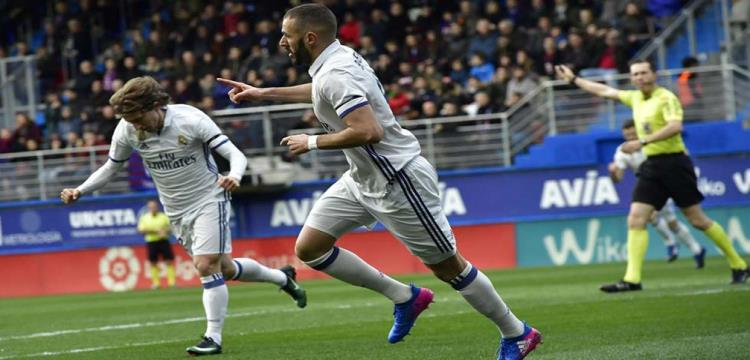 بنزيمة يصبح سابع هدافي ريال مدريد عبر تاريخه - ياللاكورة