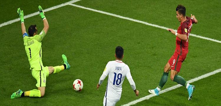برافو  البطل الخارق  يقهر البرتغال ويضع تشيلي في نهائي القارات