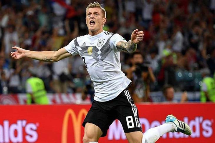 توني كروس يفوز بجائزة أفضل لاعب ألماني للمرة الأولى