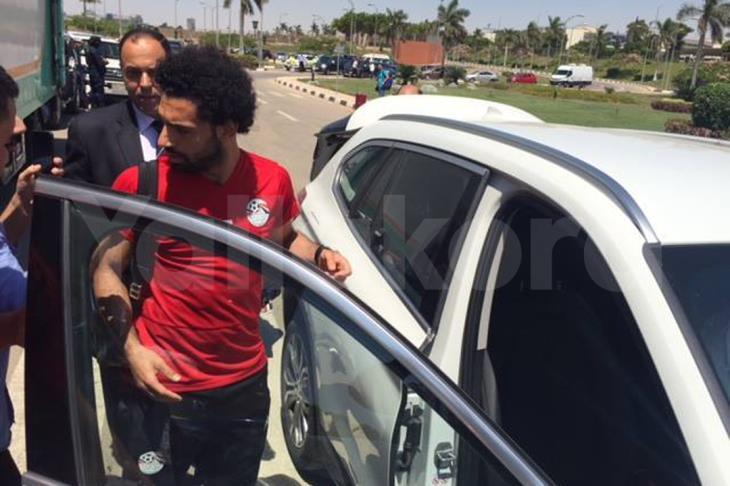 محمد صلاح يصل القاهرة قادمًا من بيروت