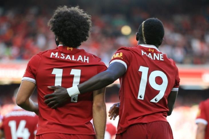 نجم ليفربول السابق: هناك منافسة بين صلاح وماني على إحراز الأهداف