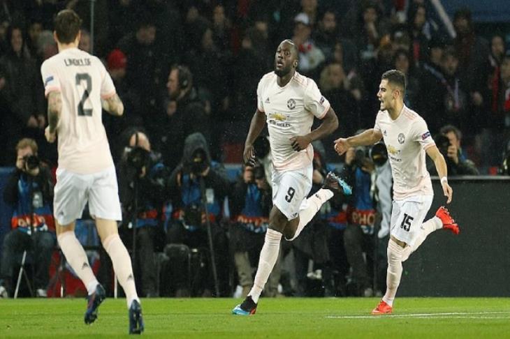 لوكاكو ضمن 4 مرشحين لجائزة لاعب الأسبوع في دوري أبطال أوروبا