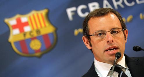 المحكمة تأمر باستمرار حبس رئيس برشلونة السابق