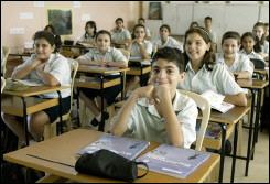 بدء تدريس اللغة الفرنسية بالصف الاول الاعدادى اعتبارا من العام الدراسى الجديد
