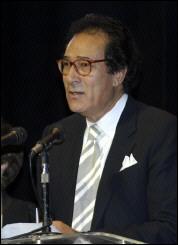 فاروق حسنى يؤكد احترامه للثقافة اليهودية ويكرر اعتذاره عن تصريحه بحرق كتب عبرية