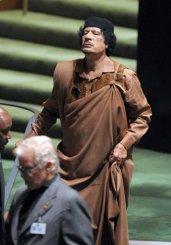 خطاب القذافي اصاب المترجم بالانهيار