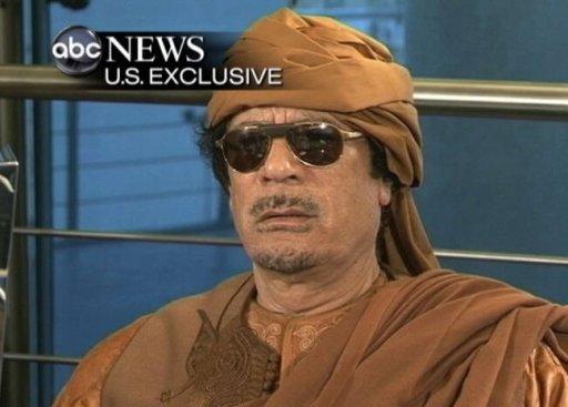 القذافي متمسك بالسلطة تصاعد الضغوط