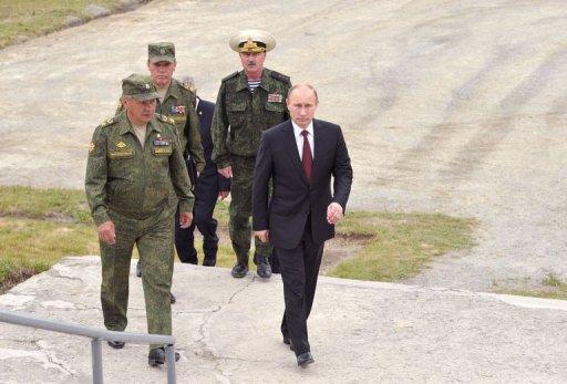 بوتين يراقب مناورات عسكرية على ابواب الصين واليابان