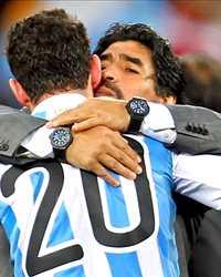مفاجأة: بعد الهتاف الجماهيري..مارادونا مُرشح لتدريب الأرجنتين مرة أخرى L_103049_news.jpg