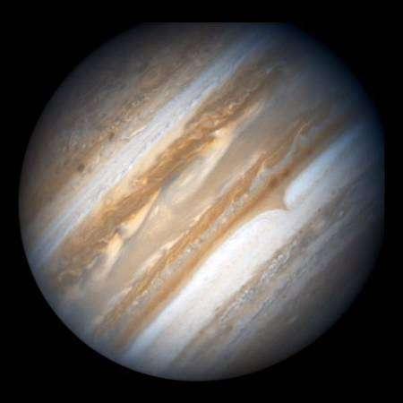 بقعة جديدة تظهر على كوكب المشتري 2008-05-24t070224z_01_nootr_rtridsp_2_oegin-jupiter-freckle-ah7