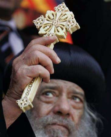موسوعة قداسة البابا شنودة الثالث - صفحة 4 2007-07-14t180348z_01_nootr_rtridsp_2_oegtp-copts-vatican-at1