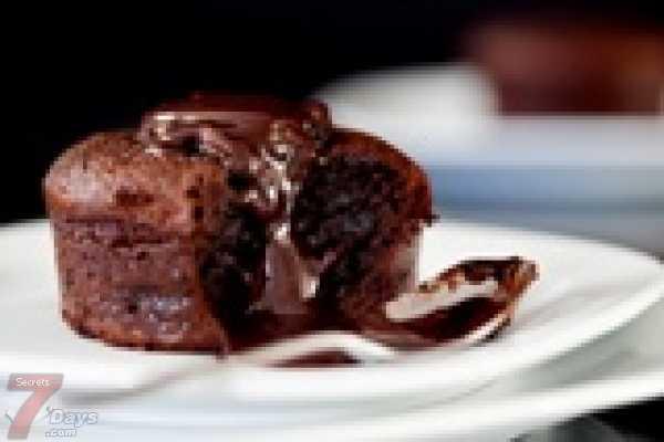 طريقة عمل حلوى سوفليه الشيكولاتة L_48795214cd.jpg