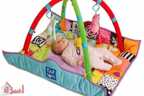 اللعب الطفل حديث الولاده تعليم
