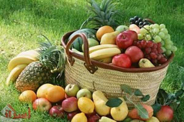 تناول الفاكهة الطعام أشبه بجرعة L_954dba0796.jpg